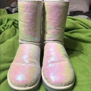 💎 Limited edition platinum white UGGS 💎